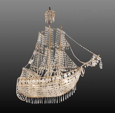 An original 3 lights chandelier, like a caravel, with cristal pampilles, Genoa, Italy, second part of 19th century (90 cm high, 90 cm wide, 34 cm deep)