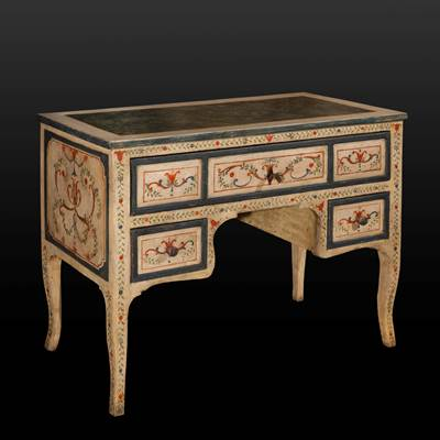 An all faces painted desk, 3 drawers, central Italy, late 18th century (110 cm wide, 80,5 cm high, 52 cm deep)