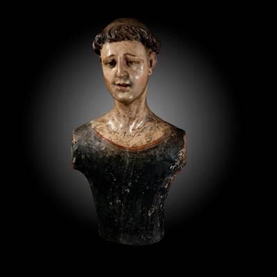 Busto di manichino policromo in legno scolpito, Italia del Sud o Spagna, 17° secolo (altezza 58 cm, larghezza 26 cm, profondità 16 cm)